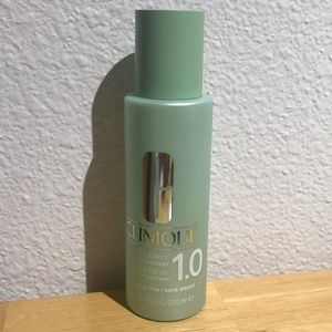 Brand new Clinique Clarifying lotion 1.0